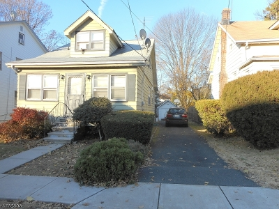 Maplewood Twp. Single Family Home For Sale: 53 Peachtree Rd