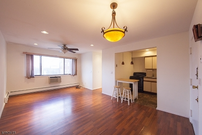 Bloomfield Twp. Condo/Townhouse For Sale: 159 Franklin St, Apt 26