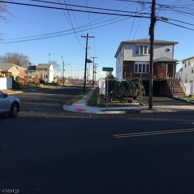 Multi Family Home For Sale: 1055 Burnet Ave