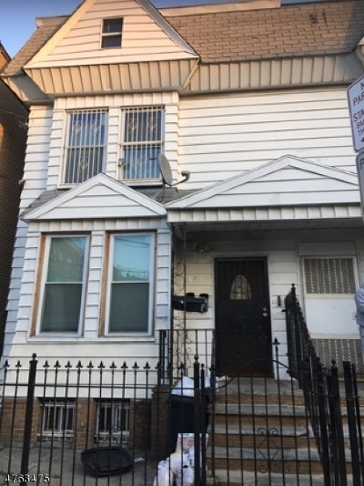 North Newark Multi Family Home For Sale: 93 1/2 Mt Prospect Ave