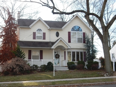 Clark Twp. NJ Single Family Home For Sale: $589,000