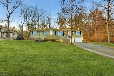 Montville Twp. Single Family Home For Sale: 123 Hook Mountain Rd