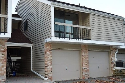 Union Twp. Condo/Townhouse For Sale: 152 Overlook Dr