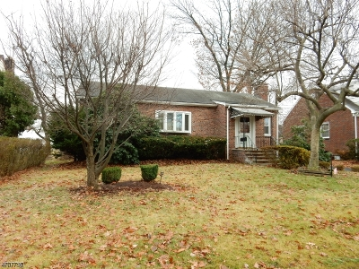 Roselle Boro NJ Single Family Home For Sale: $219,900