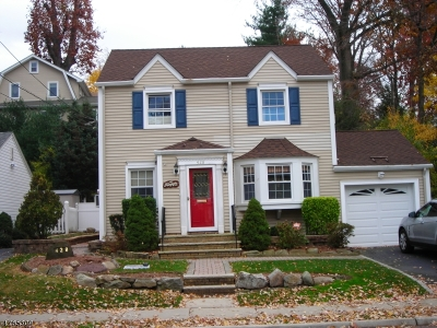 Nutley Twp. Single Family Home For Sale: 428 Bloomfield Ave