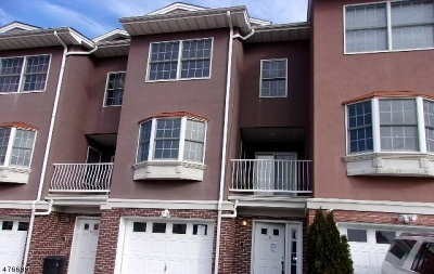 Elizabeth City Condo/Townhouse For Sale: 6 Harbor Front Ct