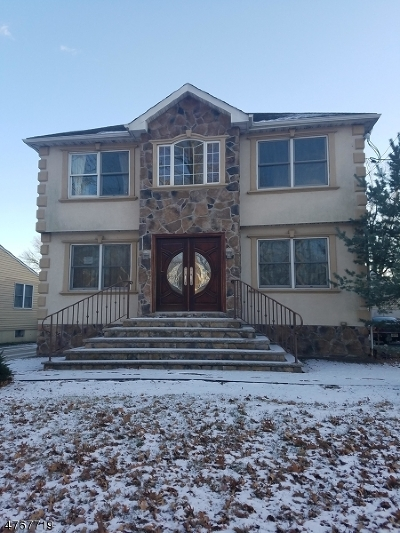 Clark Twp. Single Family Home For Sale: 1681 Raritan Rd