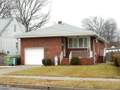 Single Family Home For Sale: 2145 Fay Ave