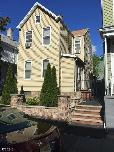 Kearny Town Single Family Home For Sale: 34 John St