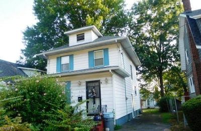 Single Family Home For Sale: 236 Dorer Ave