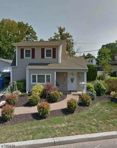Woodbridge Twp. Single Family Home For Sale: 10 Hayes Ave