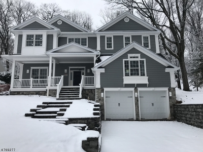 Maplewood Twp. Single Family Home For Sale: 42 Crestwood Dr