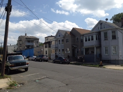 Passaic County Multi Family Home For Sale: 193 Temple St