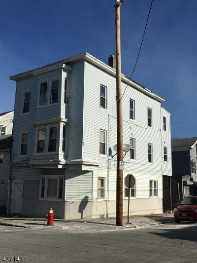 Passaic County Multi Family Home For Sale: 85 Beech St