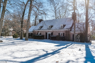Montclair Twp. Single Family Home For Sale: 4 Orchard Ct