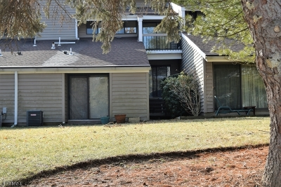 Union Twp. Condo/Townhouse For Sale: 13 Hillside Ct