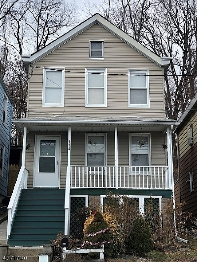 Hawthorne Boro NJ Single Family Home For Sale: $220,000