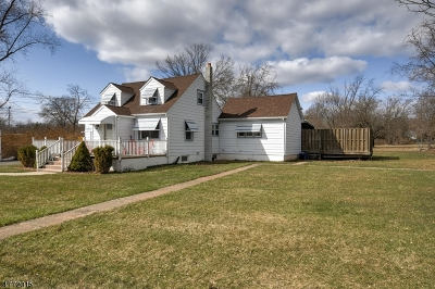 Bridgewater Twp. Single Family Home For Sale: 144 Pine St