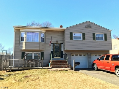 Woodbridge Twp. Single Family Home For Sale: 16 Heidi Dr