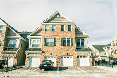 Union Twp. Condo/Townhouse For Sale: 47 Station Sq