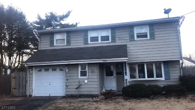 Woodbridge Twp. Single Family Home For Sale: 15 Michael St