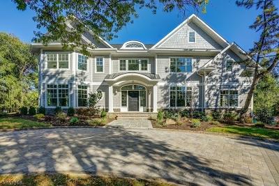 Livingston Twp. Single Family Home For Sale: 33 Vanderbilt Dr