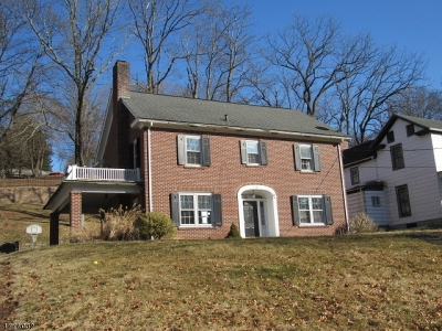 Holland Twp., Milford Boro Single Family Home For Sale: 52 Mill St