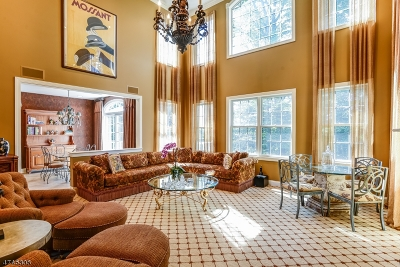 West Orange Twp. Condo/Townhouse For Sale: 30 Whitbay Dr