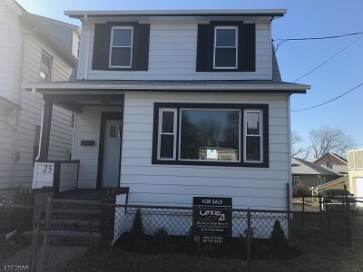Maplewood Twp. Single Family Home For Sale: 21 Oregon St