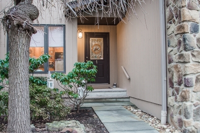 Woodland Park Condo/Townhouse For Sale: 1 Wedgewood Dr.