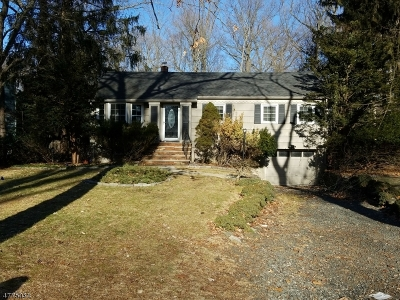 Franklin Lakes Boro Single Family Home For Sale: 963 Crystal Lake Ter