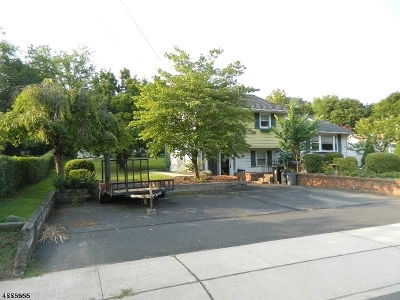 Clinton Town Single Family Home For Sale: 33 Marudy Dr