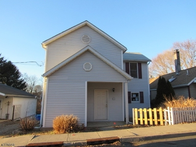 Glen Gardner Boro, Hampton Boro, Lebanon Twp. Single Family Home For Sale: 33 E Grand St