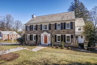 Maplewood Twp. Single Family Home For Sale: 41 Crestwood Dr