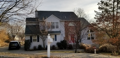 Hawthorne Boro Single Family Home For Sale: 28 Metro Vista Dr #1