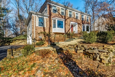 Berkeley Heights Single Family Home Active Under Contract: 351 Emerson Ln