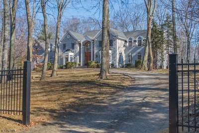 Mendham Boro, Mendham Twp. Single Family Home For Sale: 2 Kings Ct