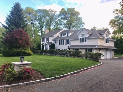 Millburn Twp. Single Family Home For Sale: 2 Briarwood Dr