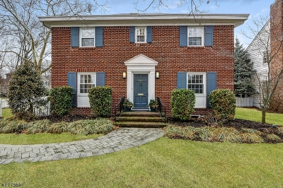 Maplewood Twp. Single Family Home For Sale: 607 Ridgewood Rd