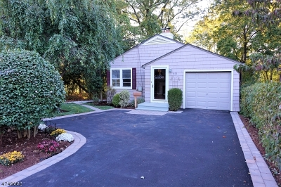 Maplewood Twp. Single Family Home For Sale: 651 Valley St
