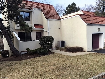 West Orange Twp. Condo/Townhouse For Sale: 68 Vacca Dr