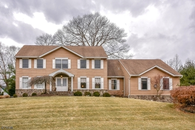 Wayne Twp. Single Family Home For Sale: 6 Kristen Ct