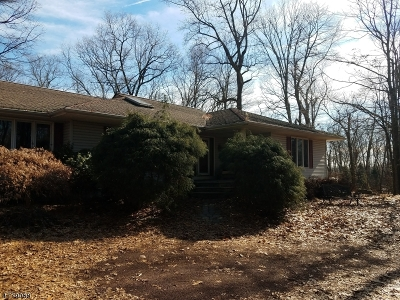 Califon Boro, Tewksbury Twp. Single Family Home For Sale: 39 Philhower Rd