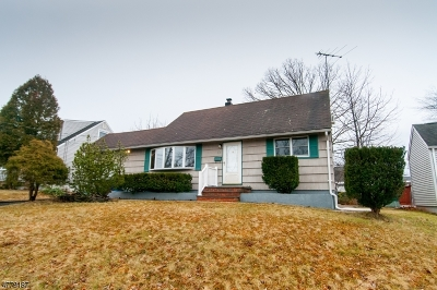 Woodbridge Twp. Single Family Home For Sale: 13 Cabot Pl