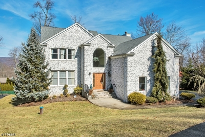 Montville Twp. Single Family Home For Sale: 14 Forest Pl