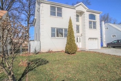 Woodbridge Twp. Single Family Home For Sale: 79 Demorest Ave