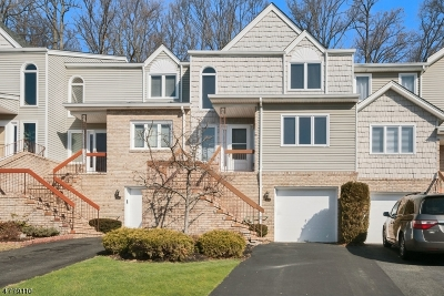 Parsippany-Troy Hills Twp. Condo/Townhouse For Sale: 64 Averell Dr