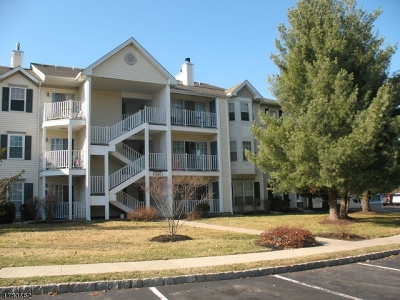 Franklin Twp. NJ Condo/Townhouse For Sale: $189,900