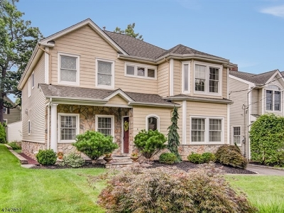Nutley Twp. Single Family Home For Sale: 6 Pomander Walk