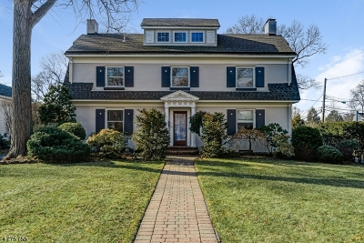 WestField Single Family Home For Sale: 527 Prospect St